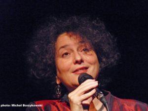 Shura Lipovsky: Jiddische liederen en Chassidische verhalen over troost en betrokkenheid.